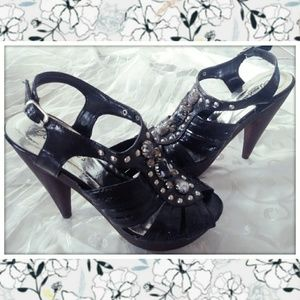 Breckelle's Black Marbled Stone/Studded Heel